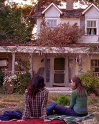 Gilmore Girls, S01E19: Emily in Wonderland
