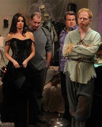 Modern Family, S02E06: Halloween